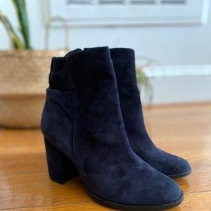 Arturo Chiang leather chunky heel boots